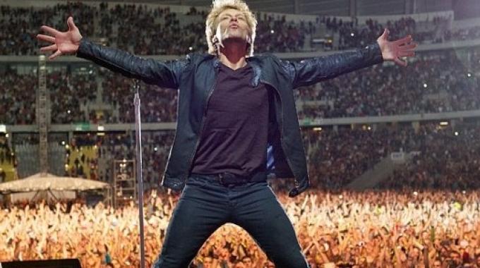 "Bon Jovi, ecco l'album ""Burning Bridges"""