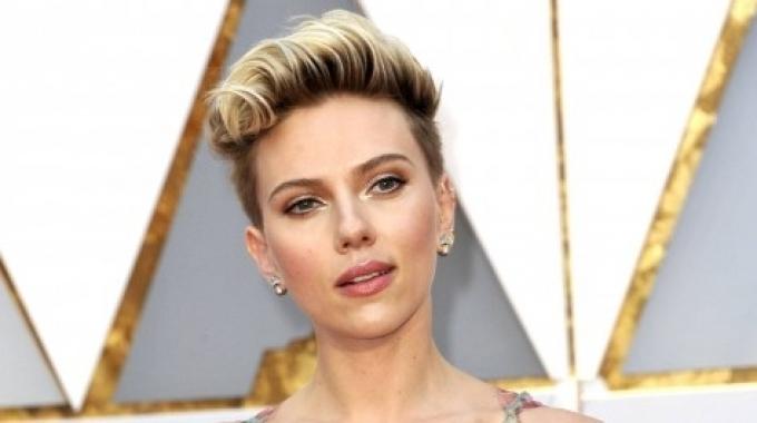 Scarlett Johansson ha presentato le carte per il divorzio